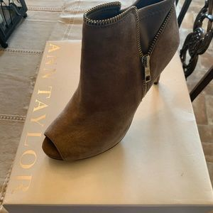 Ann Taylor Tonya Zipper Bootie New In Box Size 7.5